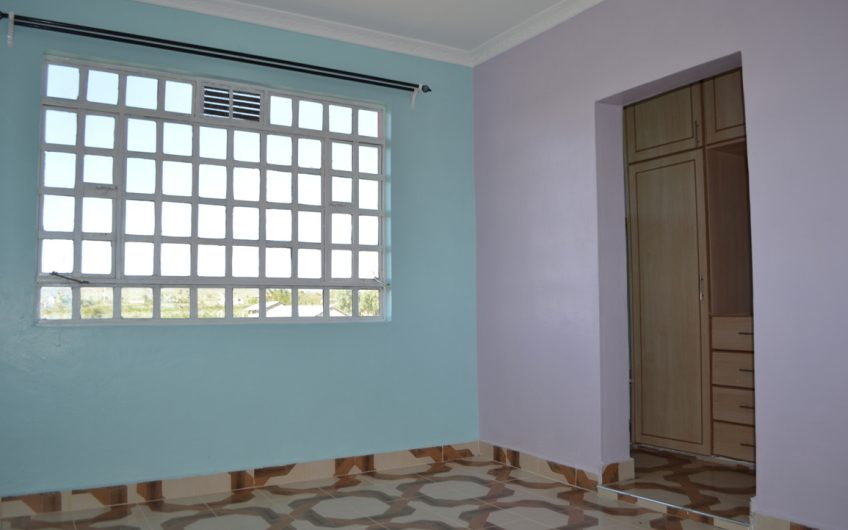 3 bedrooms master ensuite maisonette