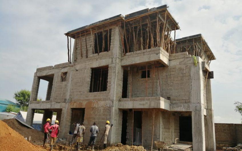 5 Bedrooms All Ensuite Flat Roof Villa
